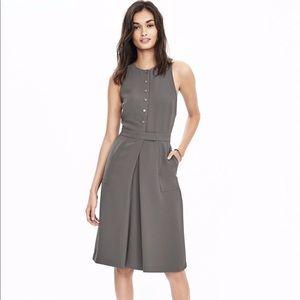 Banana Republic Gray Button-Front Crepe Dress